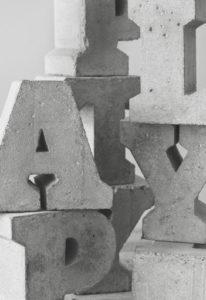 letras de hormigón